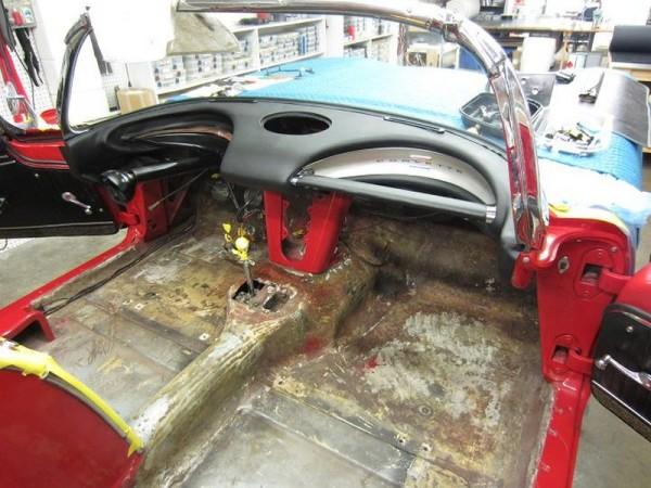 1962-corvette-convertible-04
