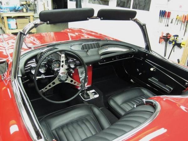 1962-corvette-convertible-18