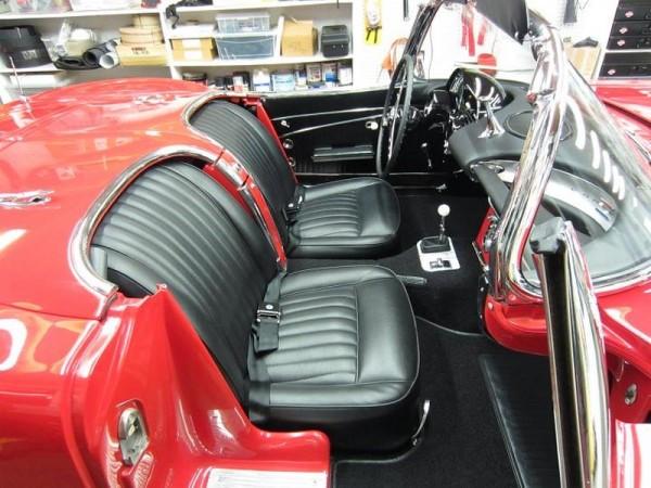 1962-corvette-convertible-19