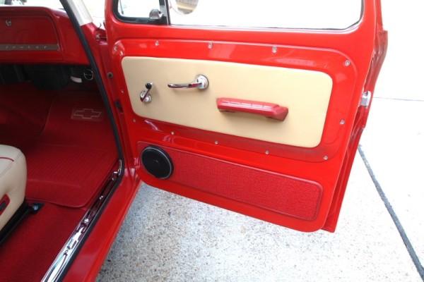 1966-chevy-suburban-15