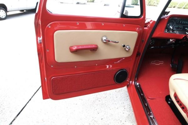 1966-chevy-suburban-16