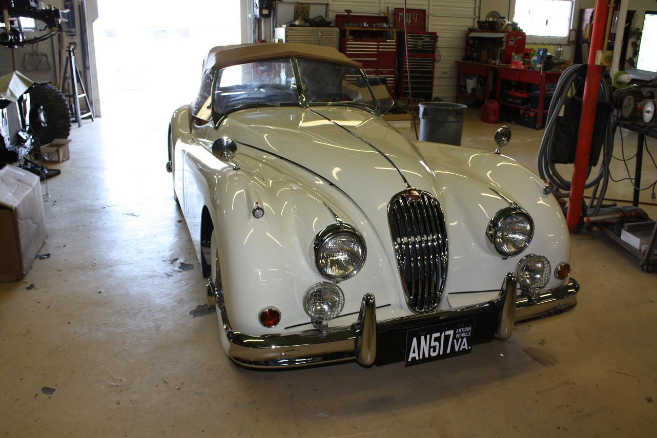 1956-Jaguar-XK140-j1
