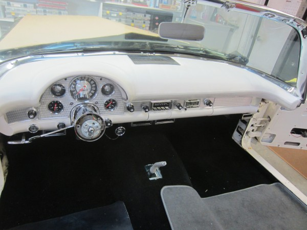 1957 ford thunderbird 07