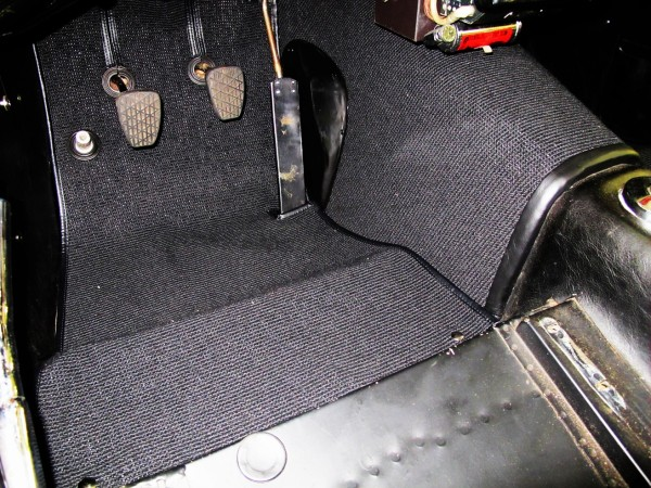 1961 mercedes gullwing 04 Carpet